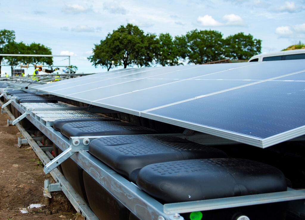 pv-floating-solar-boat